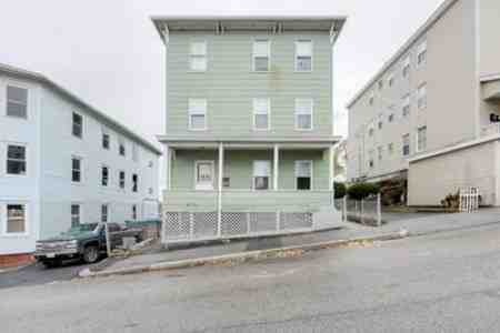 Section 8 Accepted at 123 Merrifield St 3, Worcester, MA 01605
